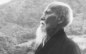 morihei-ueshiba-side-gaze